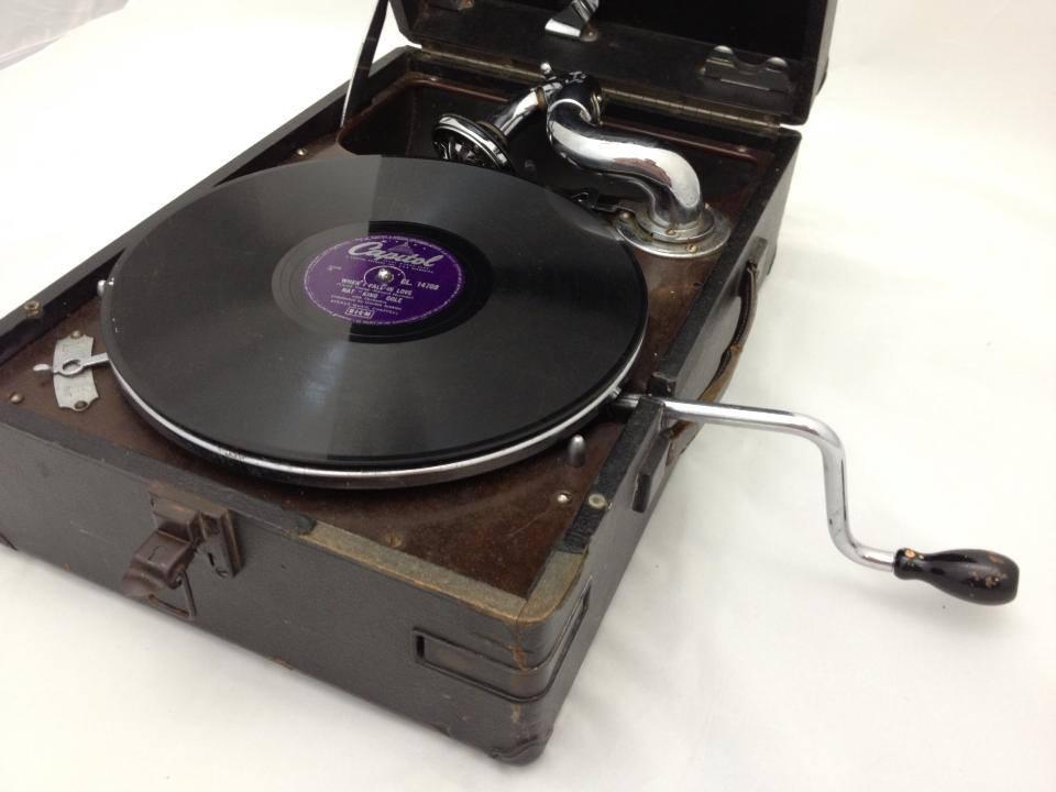 gramaphone side view
