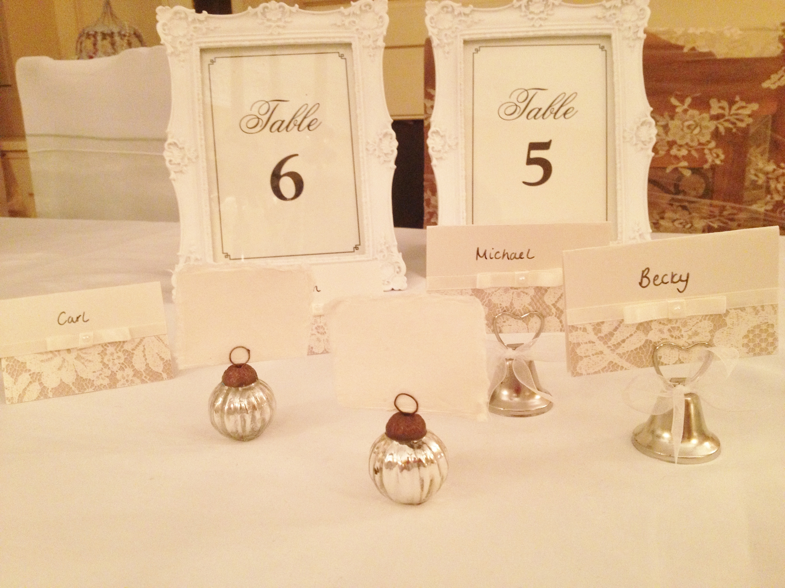 antique silver bauble place card holders 055